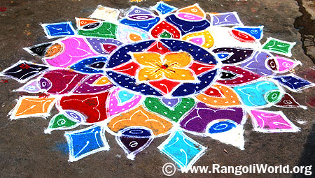 Freehand Rangoli with two strokes and diamond shape outline